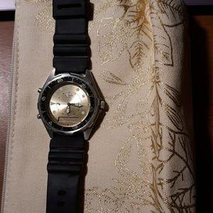Casio quartz Alarm Chronograph Mens Watch